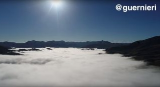 Drone sobre nuvens - Sao Bento do Sapucai