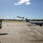 foto a venda - aeroporto de congonhas - SP - avioes da TAM e AZUL